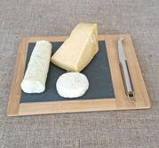 ostbricka med kniv