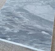 Bakskiva i polerad marmor större